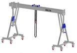 33960101 Wciągarka bramowa aluminiowa z możliwością przejazdu pod obciążeniem, z wózkiem pchanym i wciągnikiem łańcuchowym miproCrane DELTA 800S (udźwig: 2000 kg, szerokość: 4100 mm, wysokość: 2720/3470 mm)