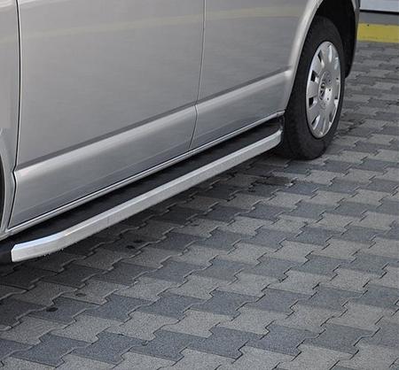 01655776 Stopnie boczne - Volkswagen T5 & T6 2015+ short (długość: 205-217 cm)