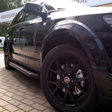 01655900 Stopnie boczne, czarne - Ford Transit Custom long (długość: 235 cm)