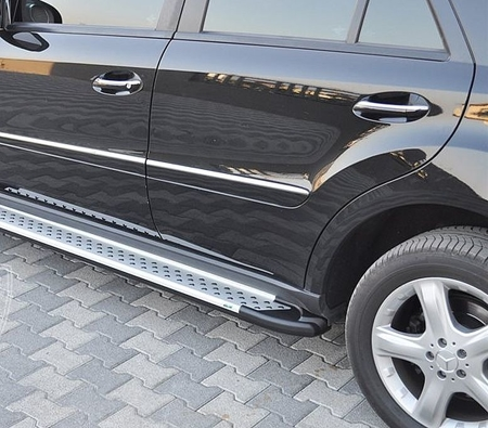 01656044 Stopnie boczne - Mercedes ML W164 2004-2011 (długość: 193 cm)