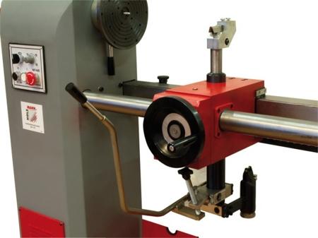 44349912 Tokarka Holzmann DBK 1500 230V (max długość obrabianego elementu: 1500 mm, moc: 1,1/1,6 kW)