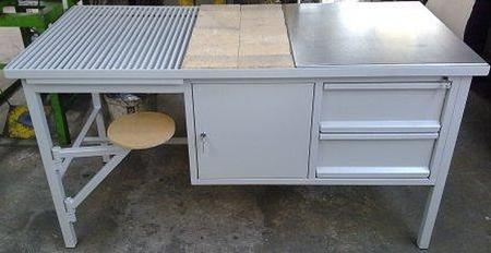 77156942 Stół spawalniczy z siedziskiem, 2 szuflady, 1 szafka (wymiary: 2000x700x900 mm)