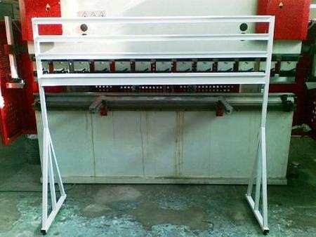 77157416 Stojak na pojemniki warsztatowe (wymiary: 1600x1500x600 mm)