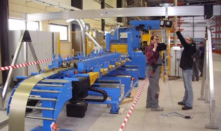 99953740 Suwnica bramowa aluminiowa składana (udźwig: 1500 kg, szerokość: 5m, wys. dla pracy wciągarki: 2,23-4,00m)